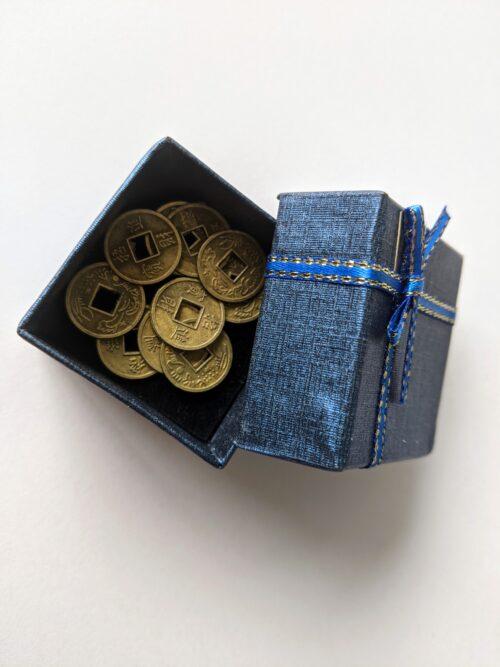 Feng Shui Chinese geluksmunten klein in cadeaudoosje Deze Chinese munten zijn een zeer krachtig Feng Shui symbool voor rijkdom.